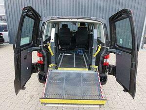 Volkswagen T5 andere Caravelle Spezial Umbau Behindertenausstatt