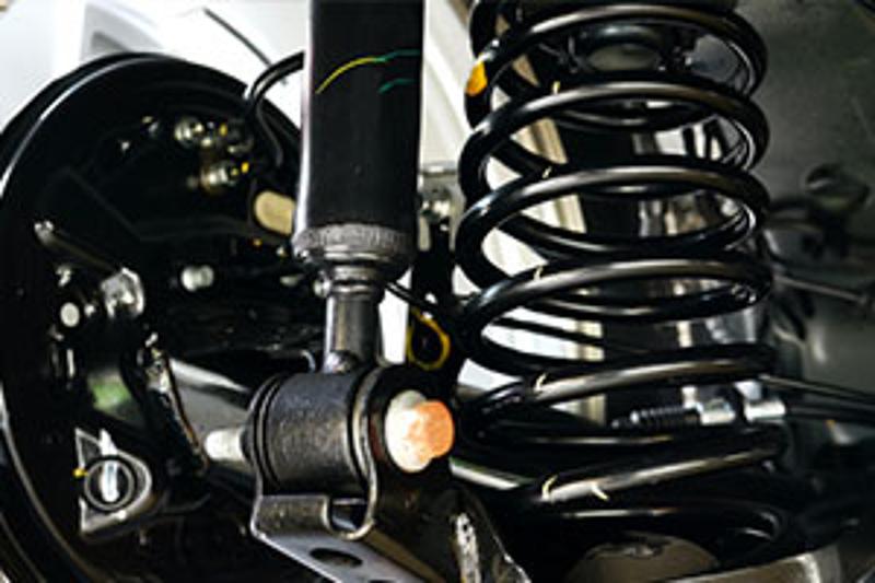 Bremsen und Stoßdämpfer Check