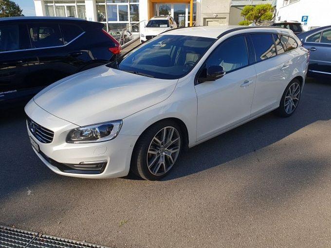 Volvo V60 D4 Momentum Dyn. Ed.