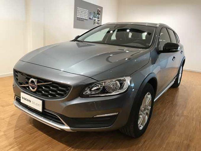 Volvo V60 CC D3 Momentum