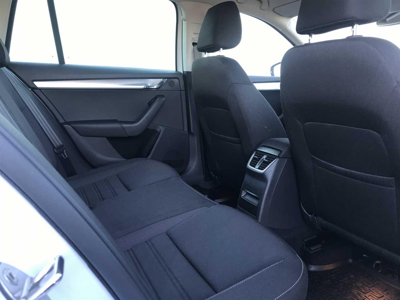 SKODA Octavia 1.0 TSI DSG Wagon Executive