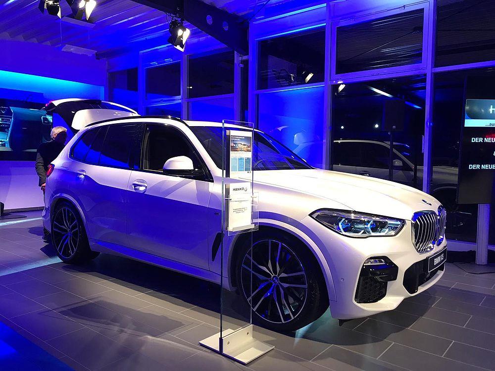 X wie nie. Premiere des neuen BMW X5 bei Hakvoort und Hanko.