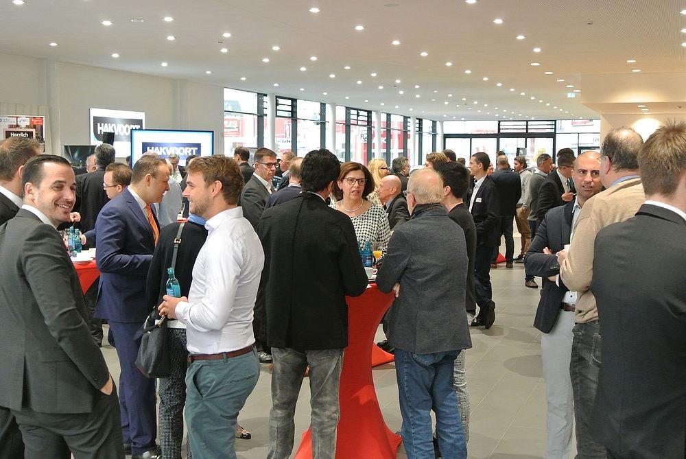 Ein Netzwerk für Firmen - Unternehmerfrühstück bei BMW Hakvoort in Sankt Augustin