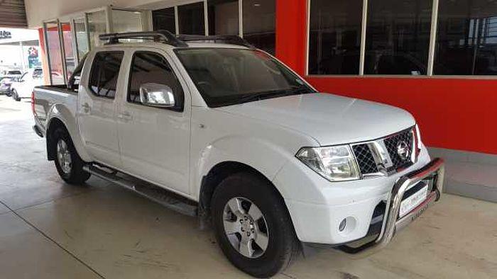 Nissan Navara 2.5 DCi XE D-Cab Dsl PU MY13 White