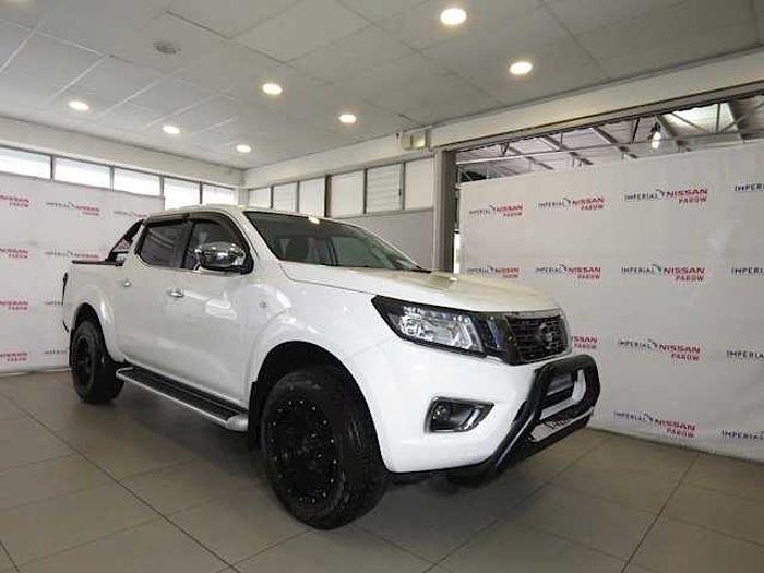 Nissan NAVARA 2.3D SE A/T P/U D/C  White
