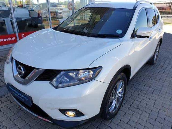 Nissan X-Trail 2.5 SE AWD 7-s MY14 CVT White