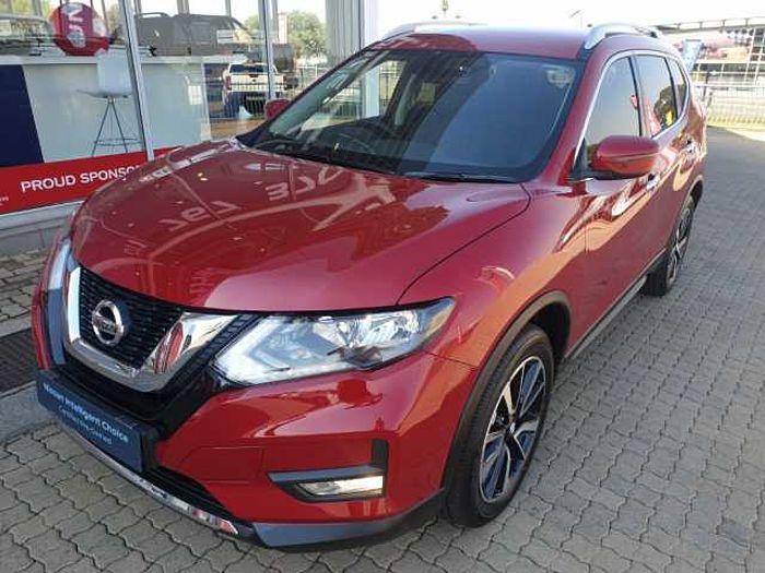 Nissan X-Trail 2.5 Acenta Plus AWD 7-s CVT MY17 Red