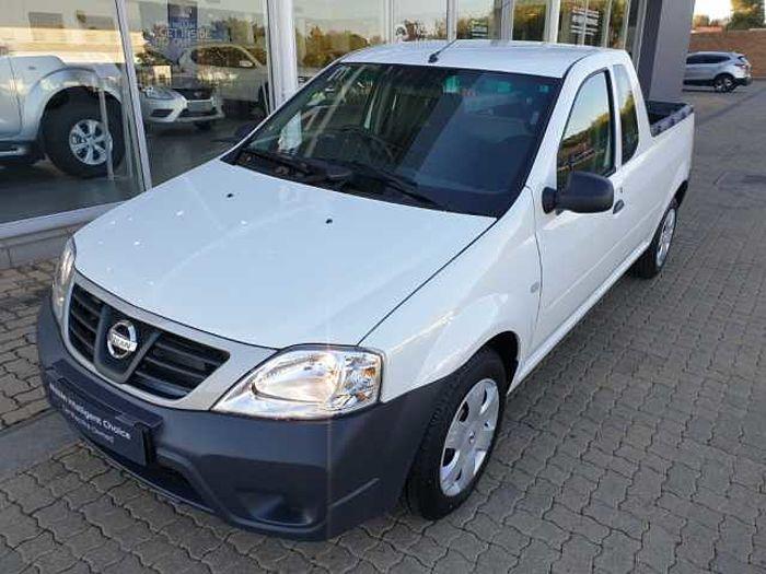 Nissan NP200 1.6 8V Base +AC Safety PU White