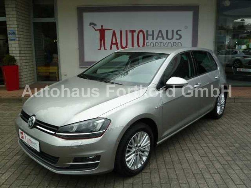 Volkswagen Golf VII 1.4 TSI BMT - DSG Cup, Parkasst. , PDC, Xenon, AHK, usw. .